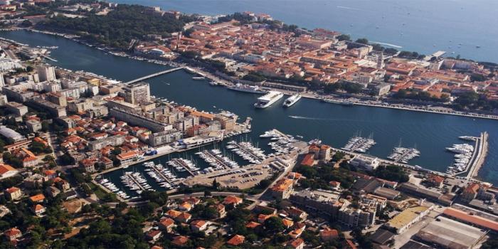 Hafen von Zadar Splash